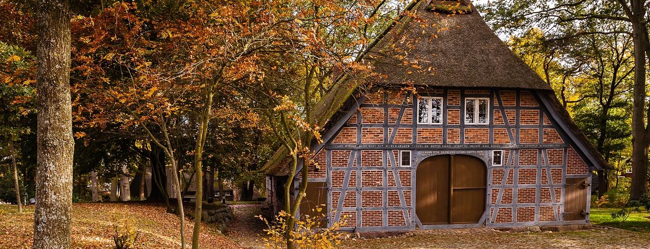 Heimathaus im Herbst